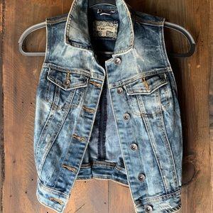 Jackets & Blazers - Fierce denim vest ❤️